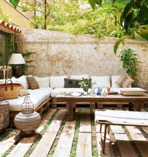 中海�L格的庭院